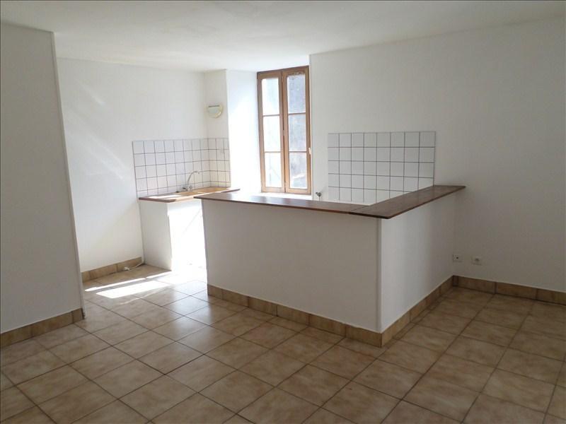 Location appartement Lussac les chateaux 330€ +CH - Photo 1
