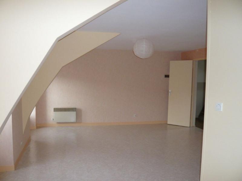 Rental apartment Laval 375€ CC - Picture 2