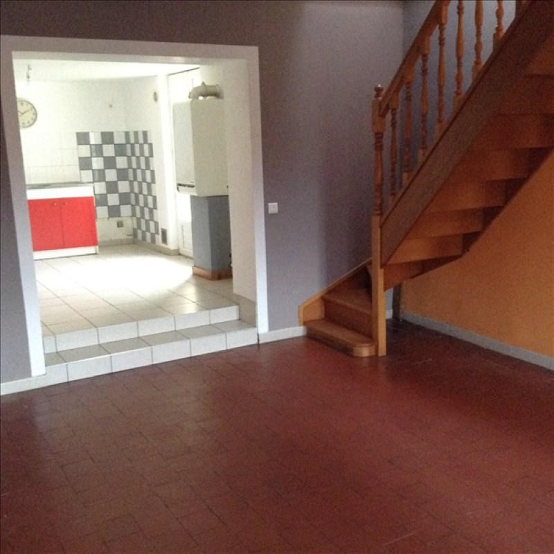 Rental house / villa Homblieres 805€ CC - Picture 1