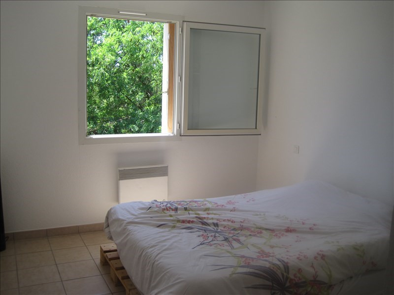 Location maison / villa L isle sur la sorgue 889€ CC - Photo 8