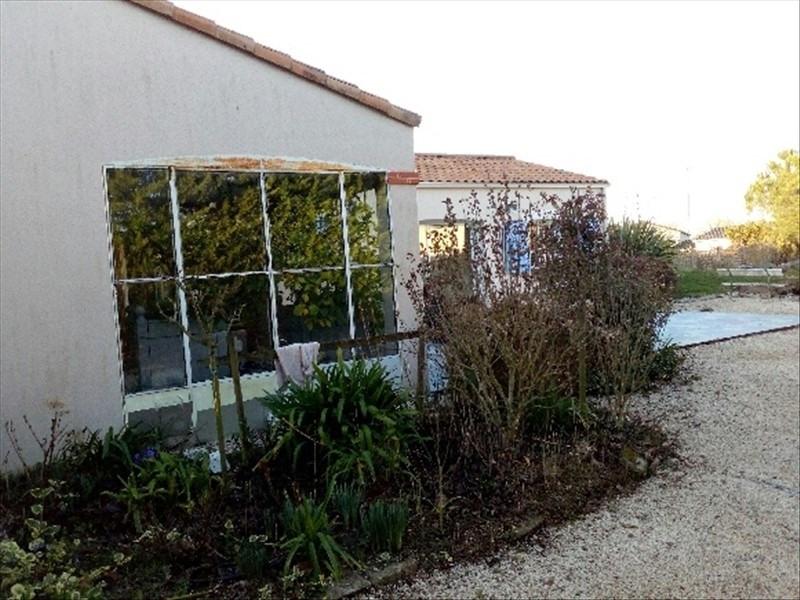 Sale house / villa La bruffiere 289900€ - Picture 2