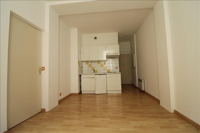 Rental apartment Voiron 365€ CC - Picture 2