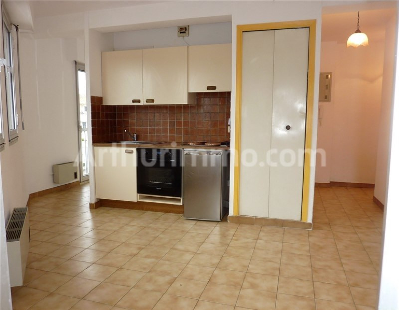 Rental apartment Saint-aygulf 450€ CC - Picture 1