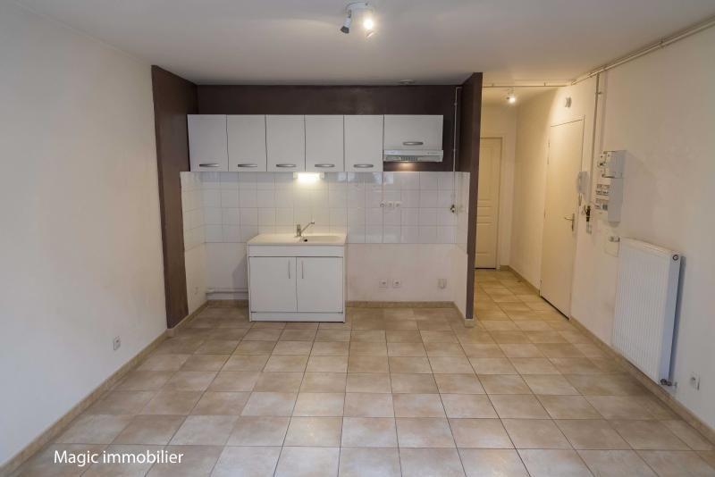 Location appartement Nantua 325€ CC - Photo 2