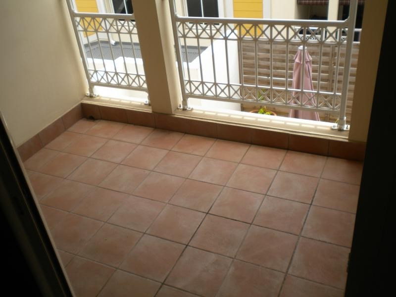 Rental apartment Ste clotilde 727€ CC - Picture 7