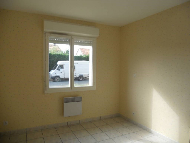 Rental house / villa Saint-astier 599€ CC - Picture 4