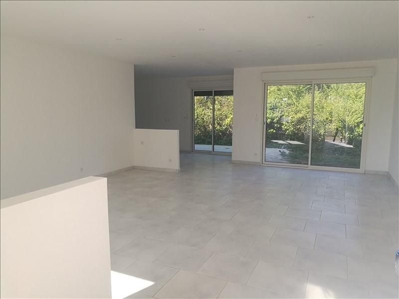 Sale house / villa La chaussee st victor 235000€ - Picture 2