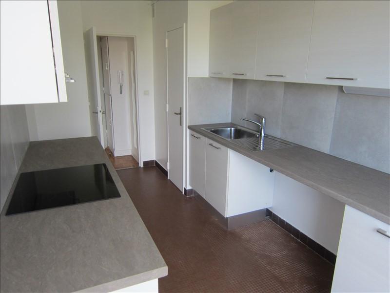Rental apartment Conflans ste honorine 945€ CC - Picture 3