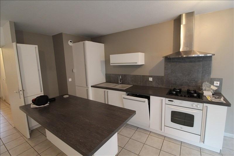 Rental apartment Voiron 750€ CC - Picture 2