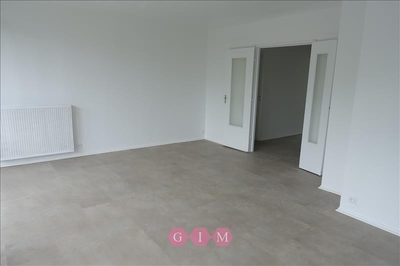Rental apartment Andresy 1 240€ CC - Picture 2