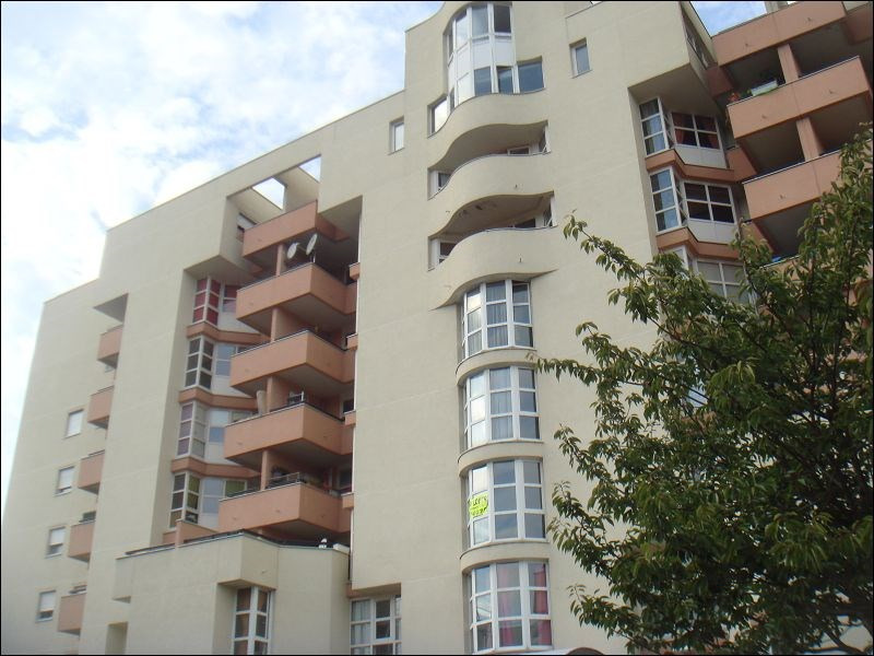 Location appartement Evry 616€ CC - Photo 1