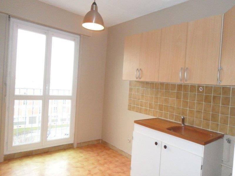 Rental apartment Saint andre les vergers 498€ CC - Picture 3