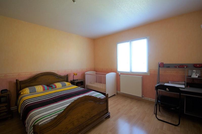 Vente maison / villa La tour du pin 327000€ - Photo 7