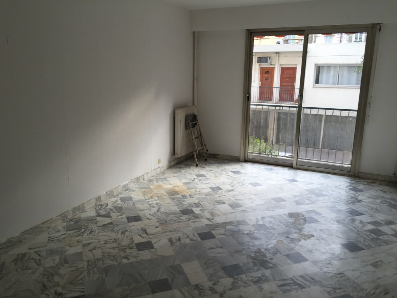 Location appartement Nice 585€ CC - Photo 1
