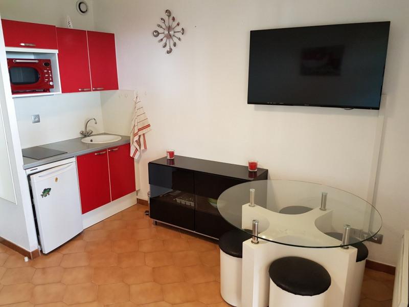 Location vacances appartement Sanary sur mer 390€ - Photo 3
