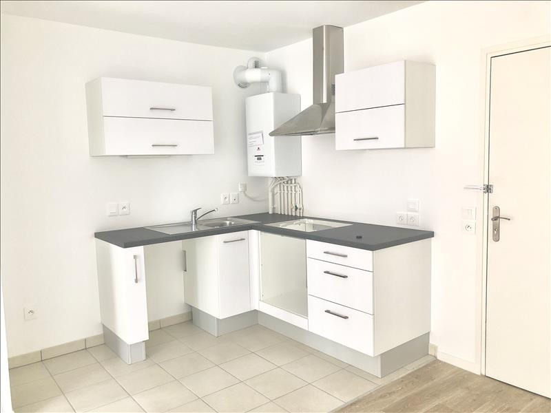 Location appartement Colombes 935€ CC - Photo 2