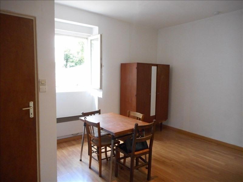 Verhuren  appartement Voiron 230€ CC - Foto 2