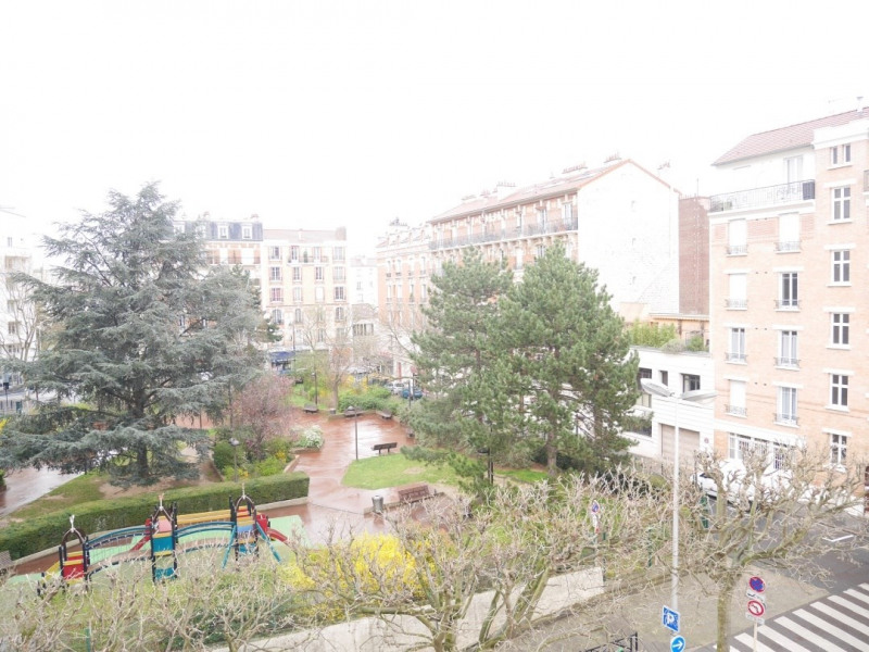 Sale apartment Courbevoie 739 000€ - Picture 1
