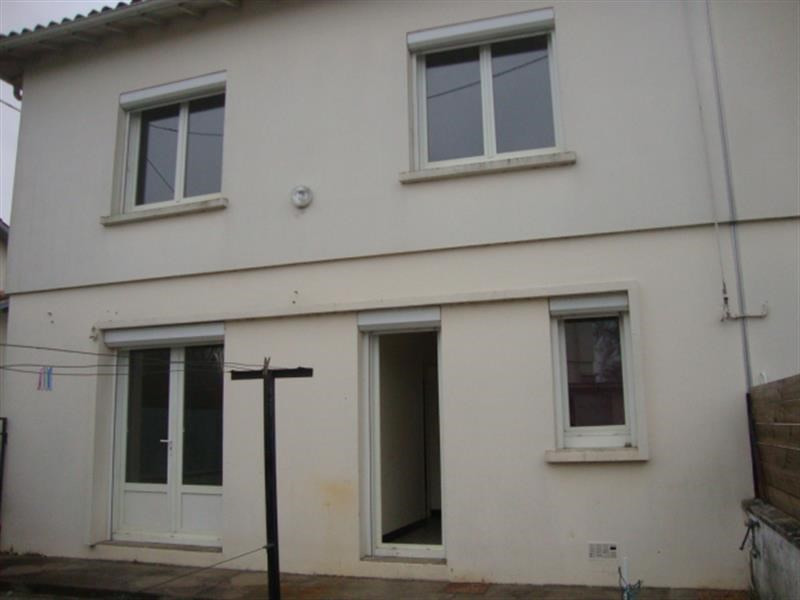 Sale house / villa Saint jean d'angely 85 600€ - Picture 4