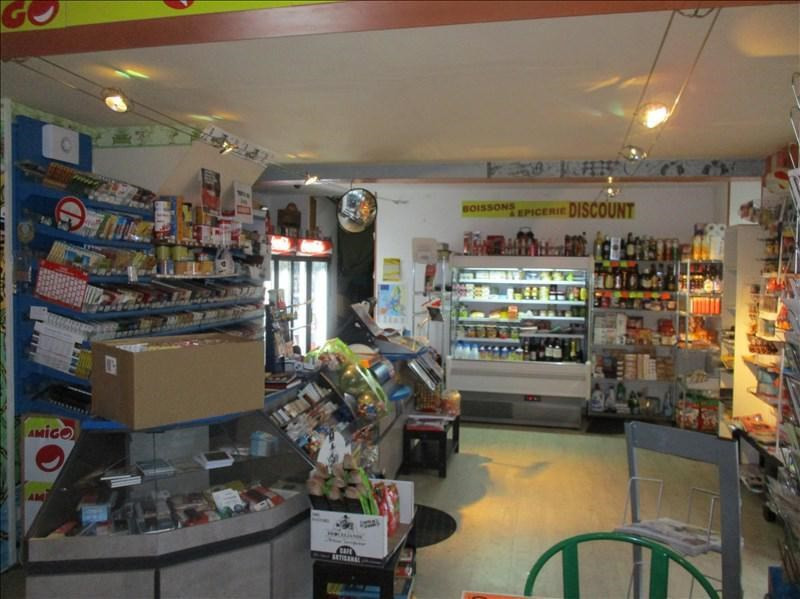 Commercial property sale shop Angouleme 129 000€ - Picture 2