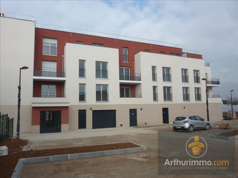 Rental apartment Vert st denis 890€ CC - Picture 1