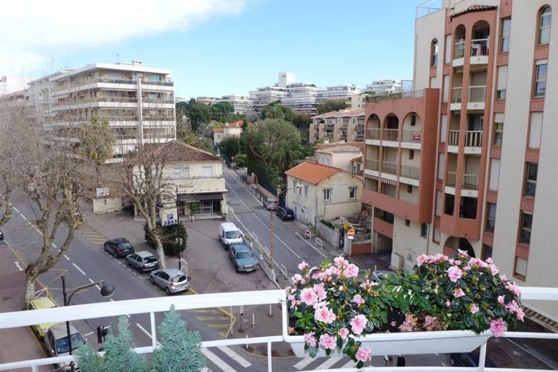Sale apartment Juan les pins 350000€ - Picture 6