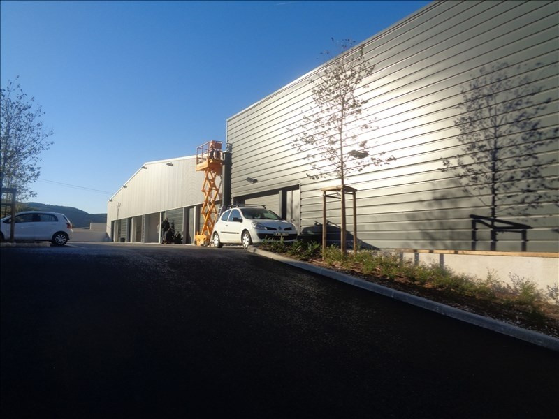 Location local commercial Hyeres 2304€ +CH/ HT - Photo 1