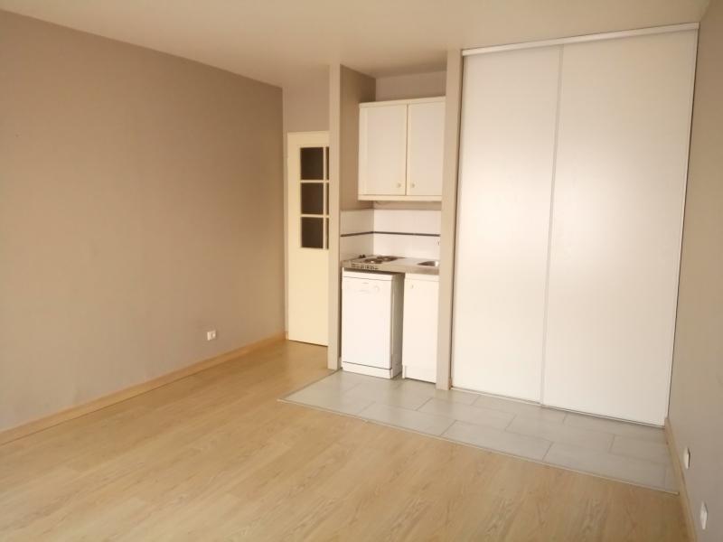 Rental apartment Bougival 580€ CC - Picture 2