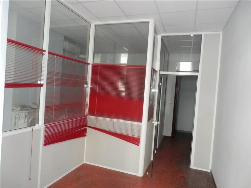 Location local commercial Toulon 1100€ HT/HC - Photo 5