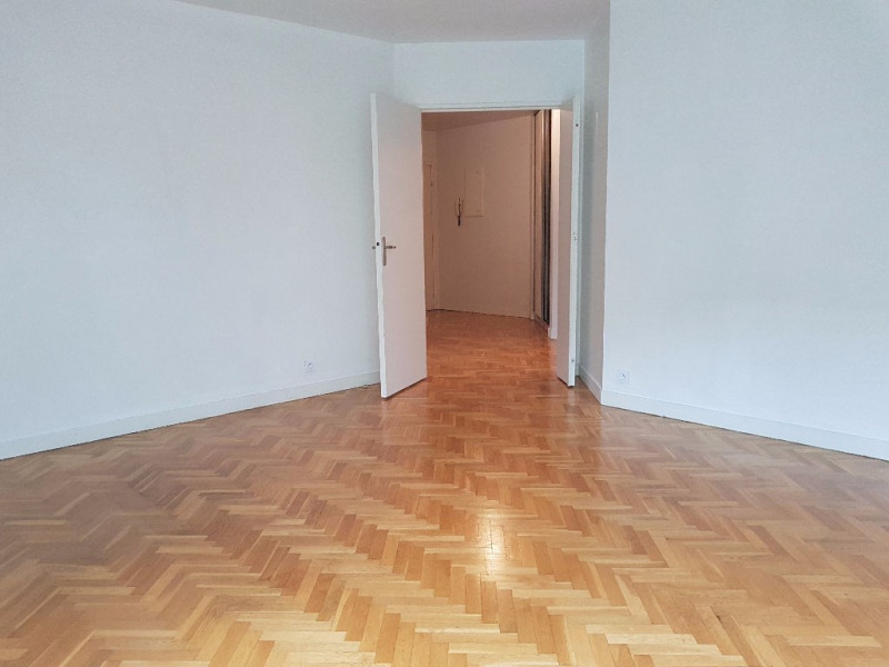 Location appartement Saint germain en laye 1 650€ CC - Photo 3