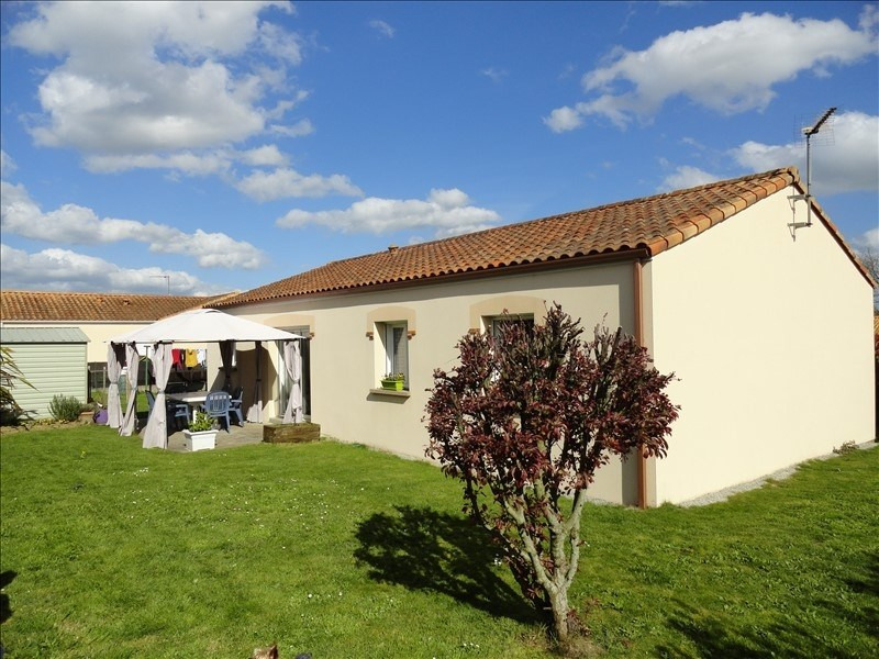 Sale house / villa St germain sur moine 159900€ - Picture 1