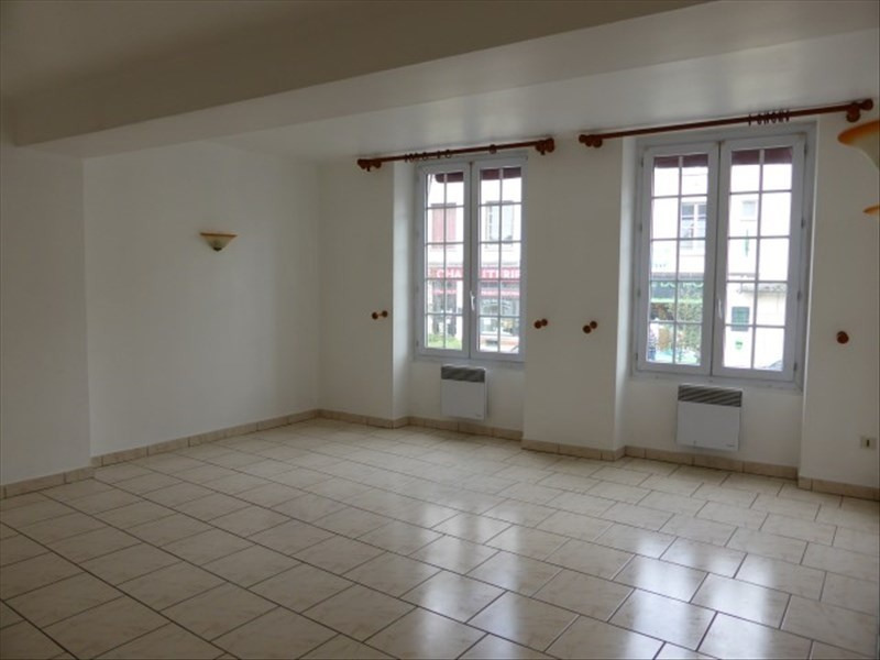Location appartement Auxerre 500€ CC - Photo 1