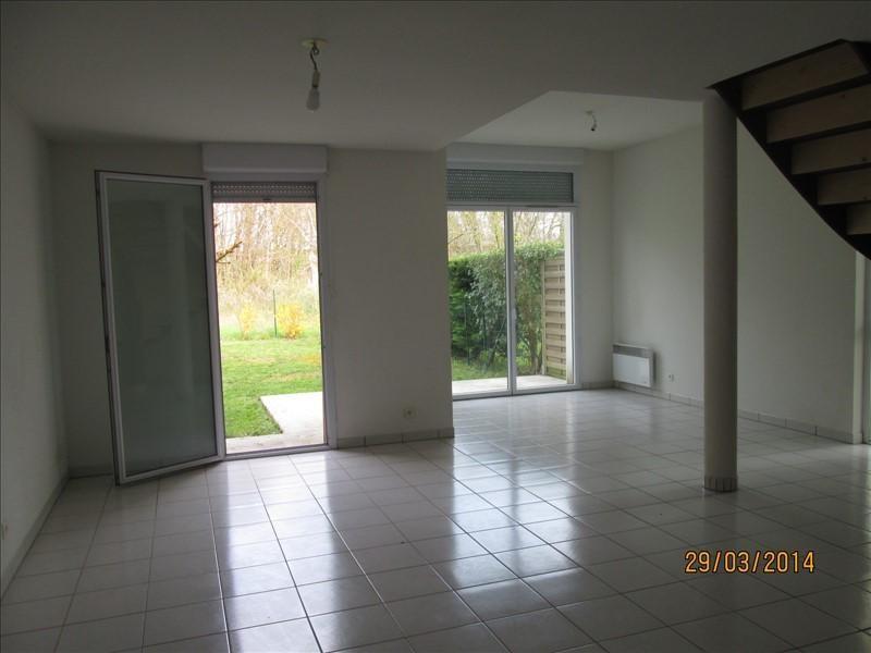 Location maison / villa St andre de cubzac 714€ CC - Photo 3
