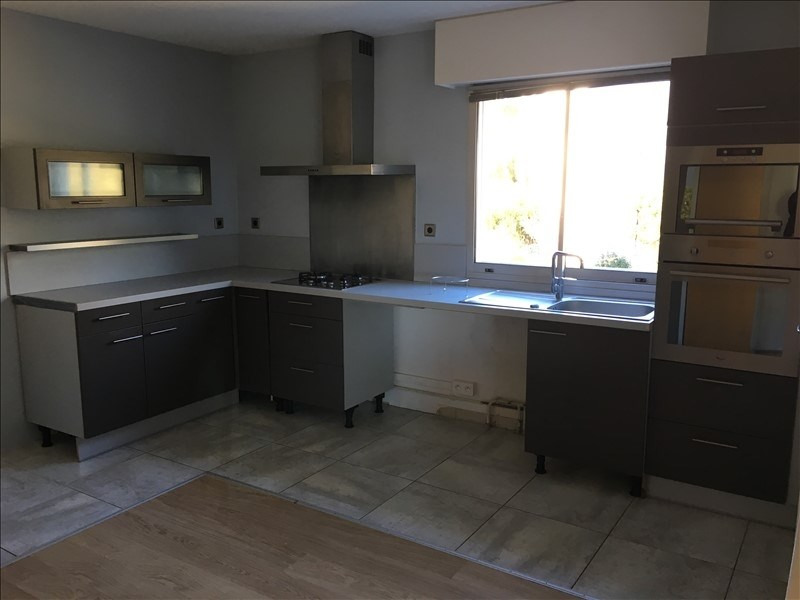 Rental apartment Nimes 1160€ CC - Picture 4