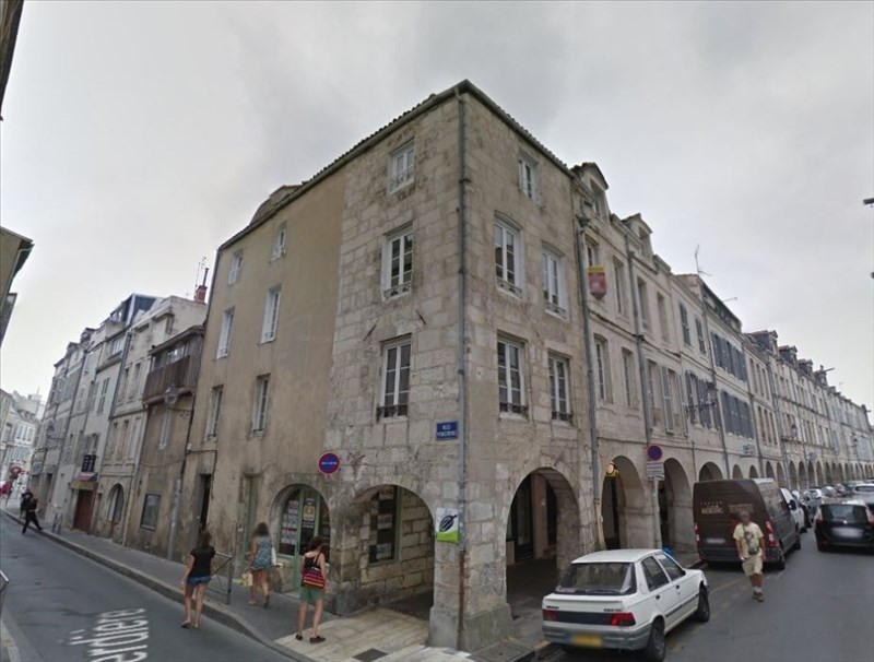 Investment property apartment La rochelle 137 170€ - Picture 3