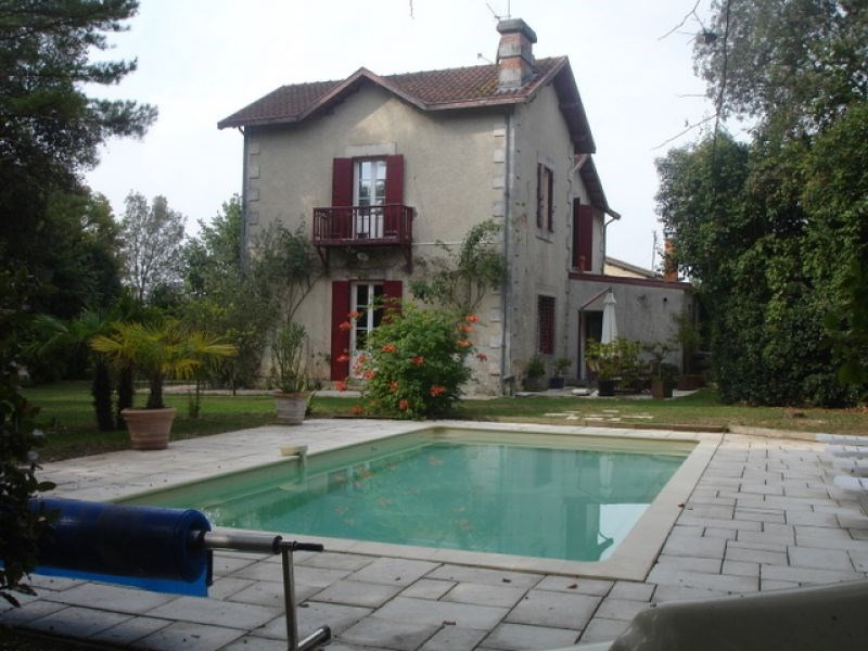 Sale house / villa Bouhet 388 500€ - Picture 2