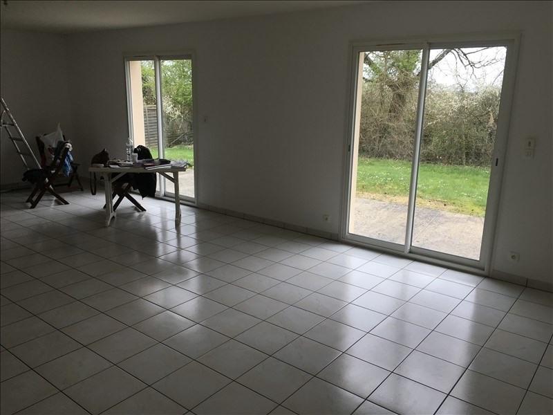 Location maison / villa Fleure 725€ CC - Photo 5
