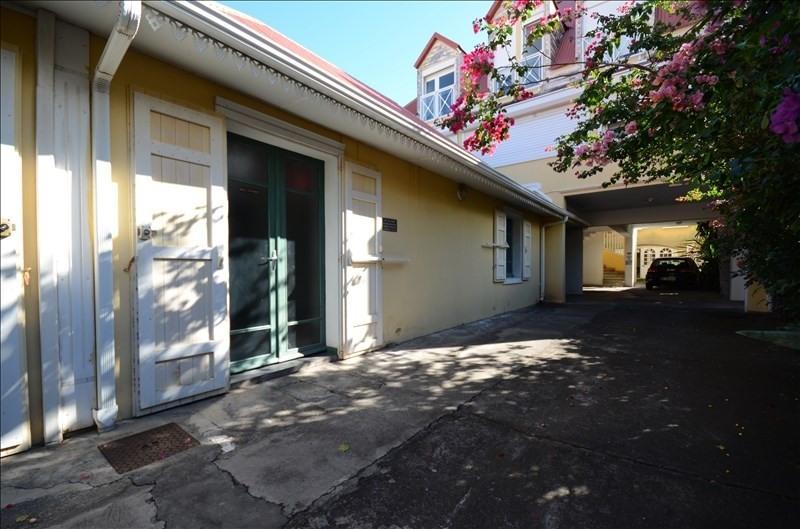 Rental empty room/storage St pierre 1050€ HT/HC - Picture 1