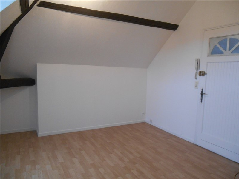Rental apartment Troyes 320€ CC - Picture 1