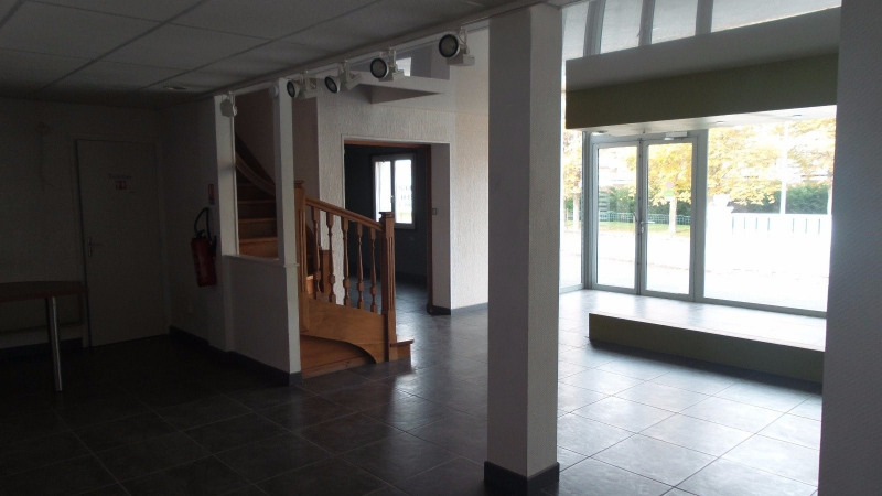 Location local commercial Brives charensac 1 700€ CC - Photo 3