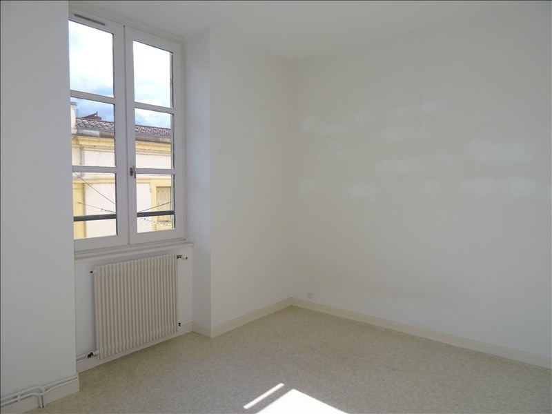 Location appartement Roanne 645€ CC - Photo 3
