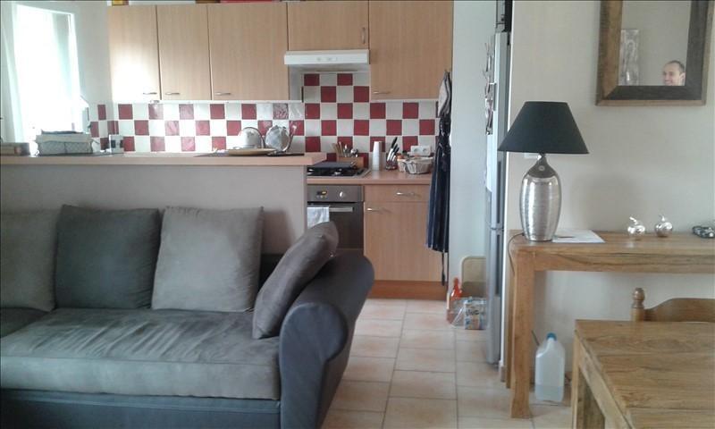 Rental apartment Lambesc 715€ CC - Picture 3