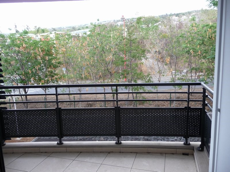 Vente appartement La possession 76 200€ - Photo 1