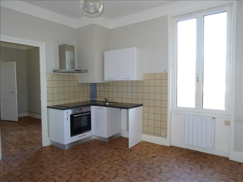 Rental apartment Perreux 320€ CC - Picture 1