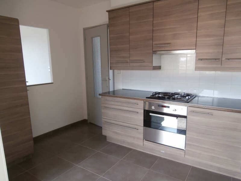 Alquiler  apartamento Salon 745€ CC - Fotografía 6