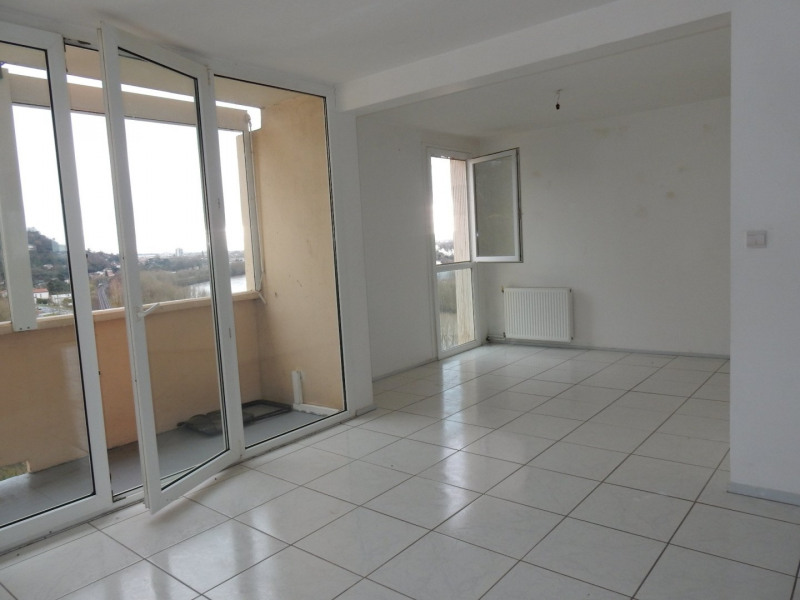 Sale apartment Colayrac st cirq 76 100€ - Picture 3