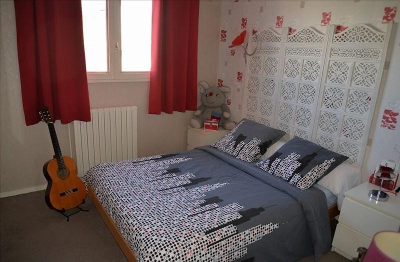 Sale house / villa Montigny le bretonneux 435750€ - Picture 5