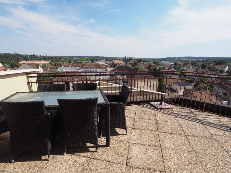Sale apartment Melun 370 000€ - Picture 1