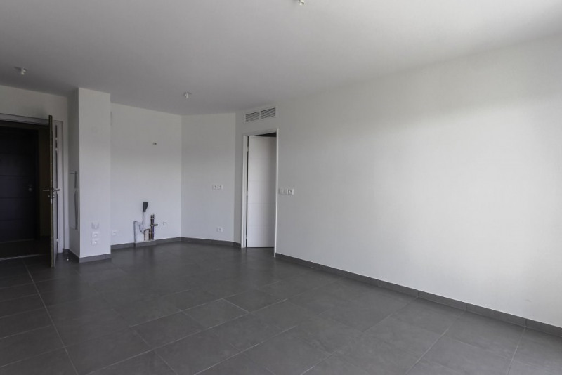 Location appartement Nice 835€ CC - Photo 4
