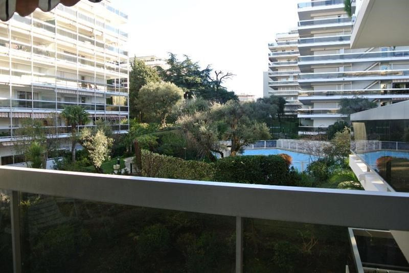 Vacation rental apartment Juan les pins  - Picture 2
